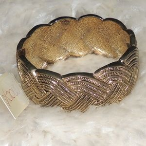 Macy's metal women bracelet gold tone with tag